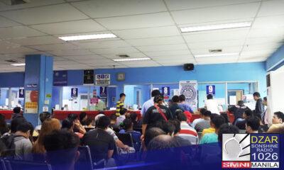 Arestado ang 4 na fixer ng mga transaksyon sa LTO-Marikina matapos mismong si Mayor Marcelino Teodoro ang alukin ng serbisyo.