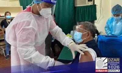 Papayagan nang magpabakuna ang mga alkaldeng may edad na dahil uumpishan na ng gobyerno ang inoculation sa mga senior citizen.