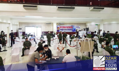 Sasailalim ngayong araw ang 700 PNP personnel sa symbolic vaccination ang Philippine National Police (PNP) matapos dumating ang Sinovac Coronavac vaccines ng China.