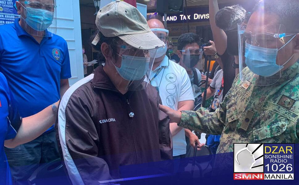 Nasampahan na ng mga reklamo sa Mandaluyong City Prosecutor's office ang dalawang suspek na nasa likod ng umano'y pagbebenta ng vaccination slots sa lungsod.