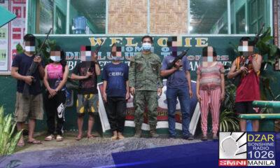 Kusang sumuko ang 6 na miyembro at isang high ranking official ng New People's Army (NPA) kasama ang kanilang mga armas sa kuta ng 58th infantry Dimalulupig