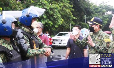 Mahigpit na pinapaalalahanan ni (PNP) Chief Police General Guillermo Eleazar ang lahat ng police units na iwasan ang magkabit ng campaign materials